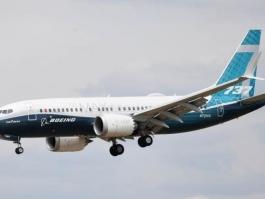 БОИНГ ПРИЗНА ЗА ГРЕШКИ В СОФТУЕРА, ОБУЧАВАЩ ПИЛОТИТЕ НА 737 МАКС 8