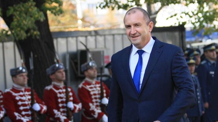 ПРЕЗИДЕНТЪТ РАДЕВ ОТИВА ВМЕСТО ПРЕМИЕРА БОРИСОВ В ЛОНДОН ЗА СРЕЩАТА НА НАТО