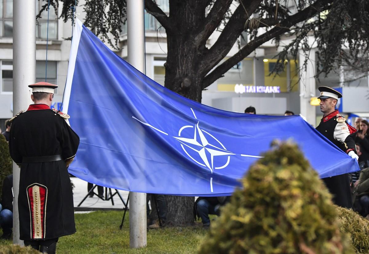 МАКЕДОНСКИЯТ ПАРЛАМЕНТ РАТИФИЦИРА ДОГОВОРА ЗА ПРИСЪЕДИНЯВАНЕ КЪМ НАТО