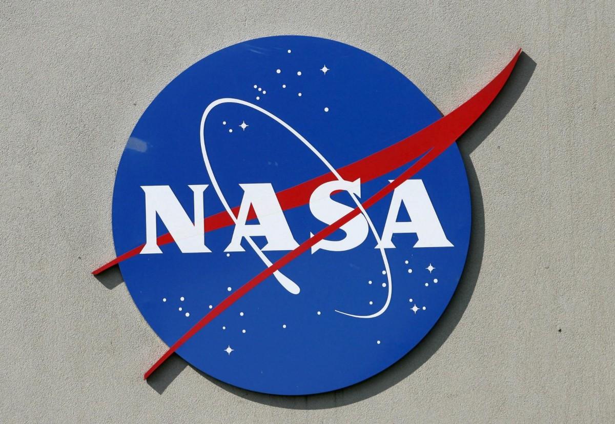 НАСА НАЕМА АСТРОНАВТИ ЗА МИСИЯ ДО ЛУНАТА