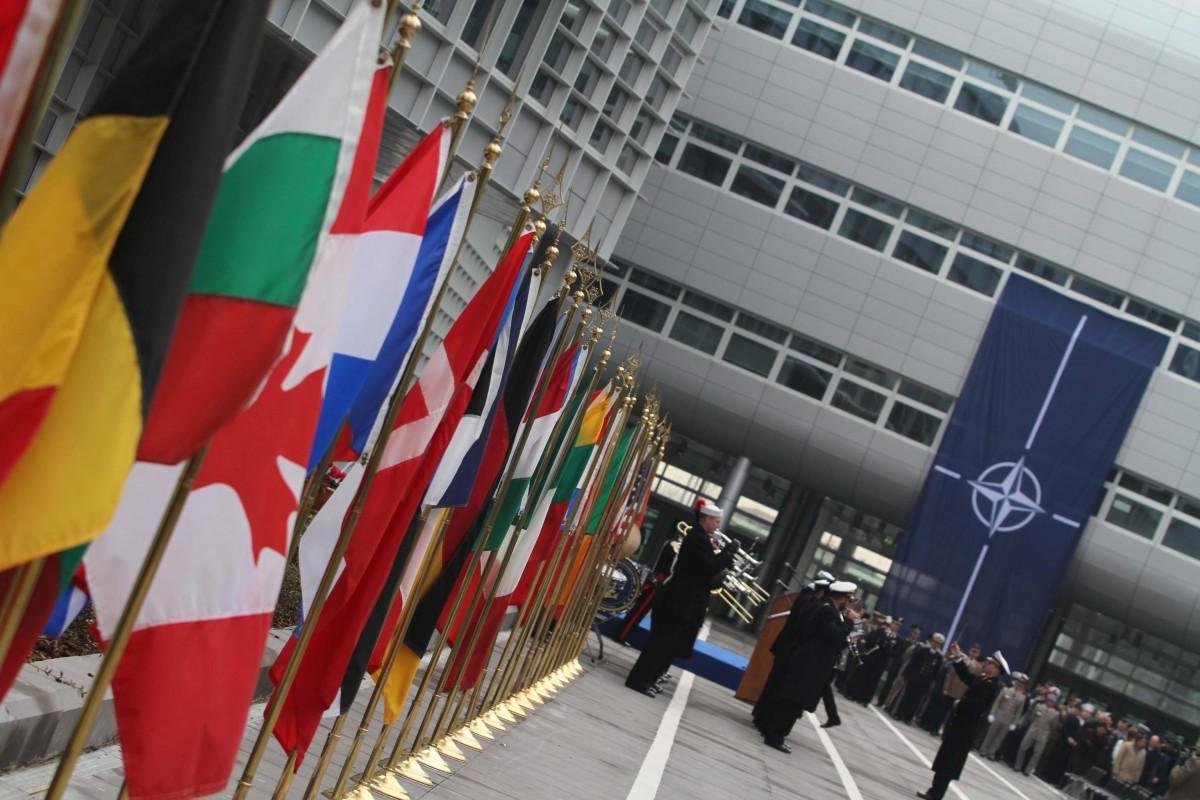 НАТО УСПОКОЯВА: НЯМА СВИДЕТЕЛСТВА, ЧЕ РУСИЯ СЕ ОПИТВА ДА ПОСТИГНЕ ИЗГОДА ОТ ЗАРАЗАТА С КОРОНАВИРУС