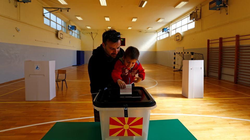 ВМРО-ДПМНЕ СЪС ЗАЯВКА ДА УПРАВЛЯВАТ СЛЕД ИЗБОРИТЕ В СЕВЕРНА МАКЕДОНИЯ