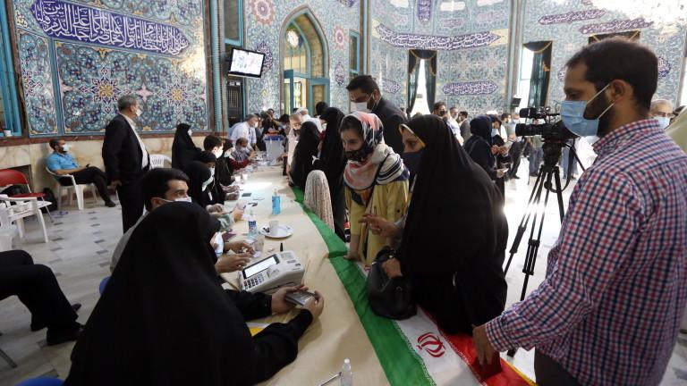 ИЗБОРИ ЗА ПРЕЗИДЕНТ В ИРАН: ИЗГЛЕЖДА ПОБЕДИТЕЛ Е УЛТРАКОНСЕРВАТИВНИЯТ КАНДИДАТ