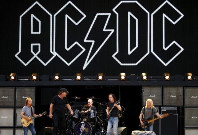 АКСЕЛ РОУЗ СТАВА ФРОНТМЕН НА AC/DC НА ПРЕДСТОЯЩОТО ИМ ТУРНЕ