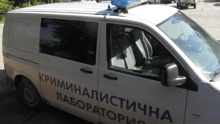 КРАДЦИ ОБРАЛИ БАНКОВ КЛОН В НЕСЕБЪР ПРЕЗ ДУПКА В СТЕНАТА