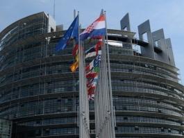 ЕС ОТНОВО УДЪЛЖИ С 6 МЕСЕЦА САНКЦИИТЕ СРЕЩУ РУСИЯ