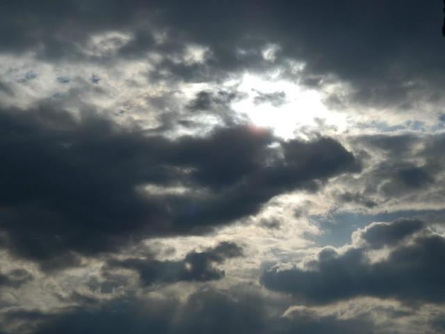 ДНЕС РАЗКЪСАНА ОБЛАЧНОСТ И  СЛЪНЦЕ, НО И ЛЕКО ПОНИЖЕНИЕ НА ТЕМПЕРАТУРИТЕ